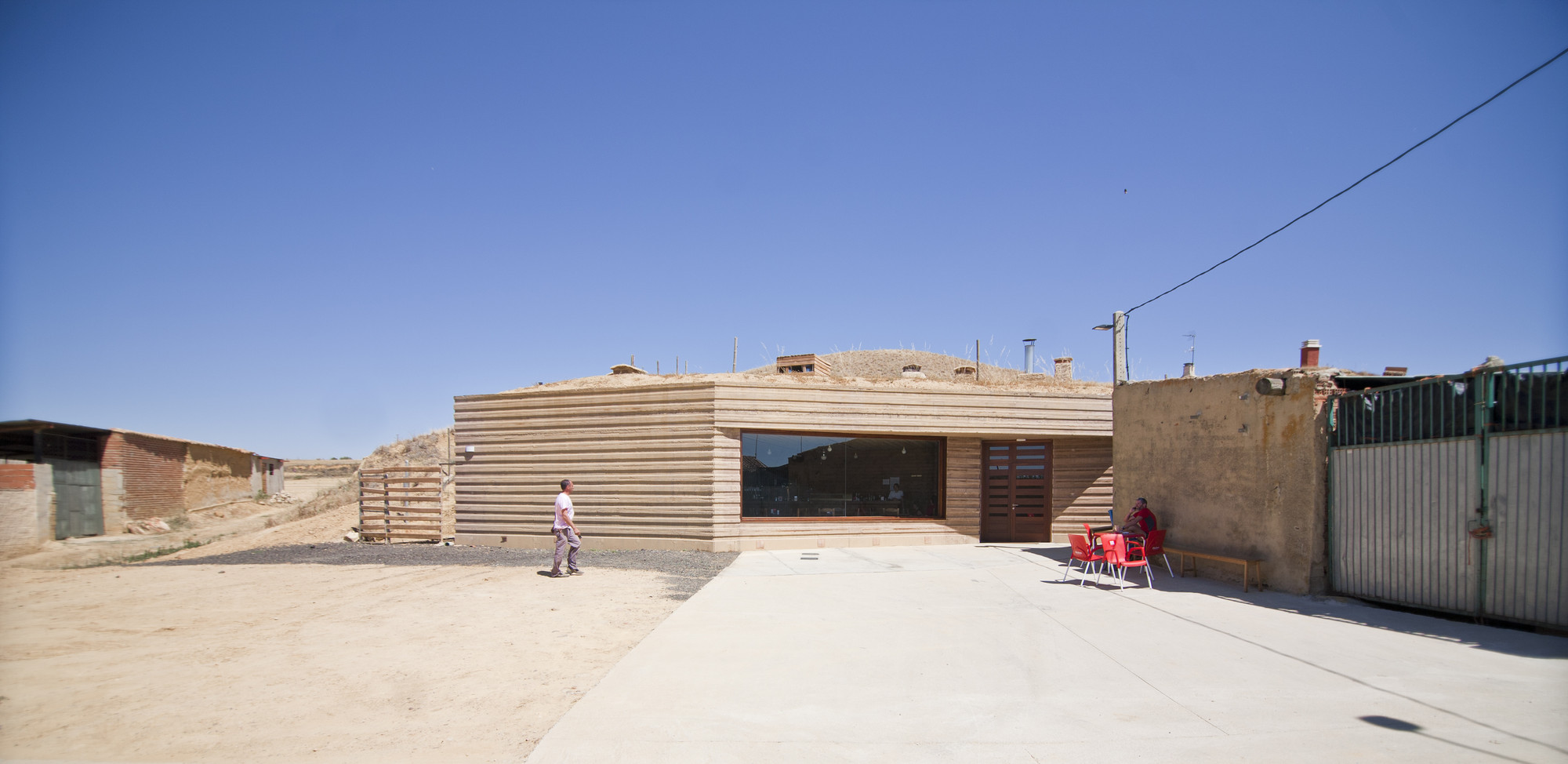 Castle Winery / Moral Arquitectura