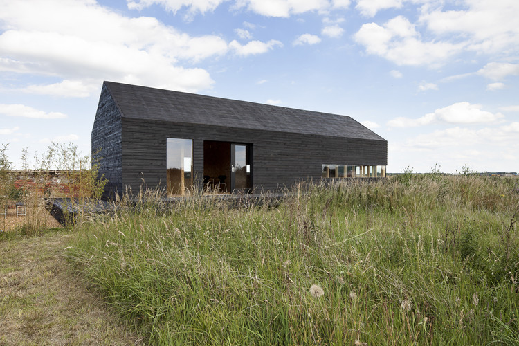 Stealth Barn / Carl Turner Architects, © Tim Crocker