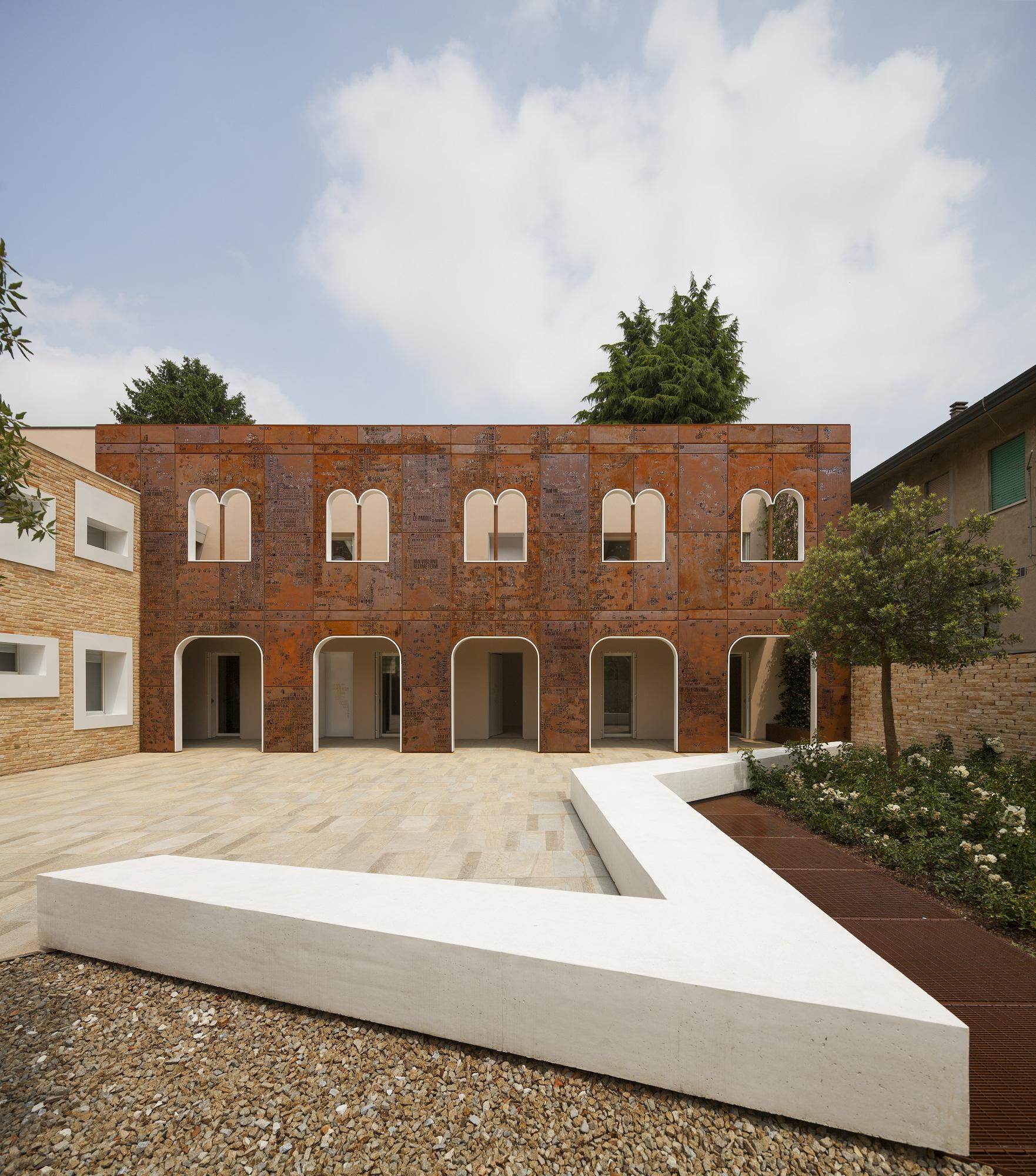 Corten Apartments / 3ndy Studio