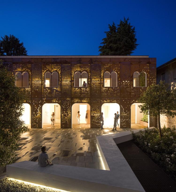 Corten Apartments / 3ndy Studio, © Fernando Guerra | FG+SG