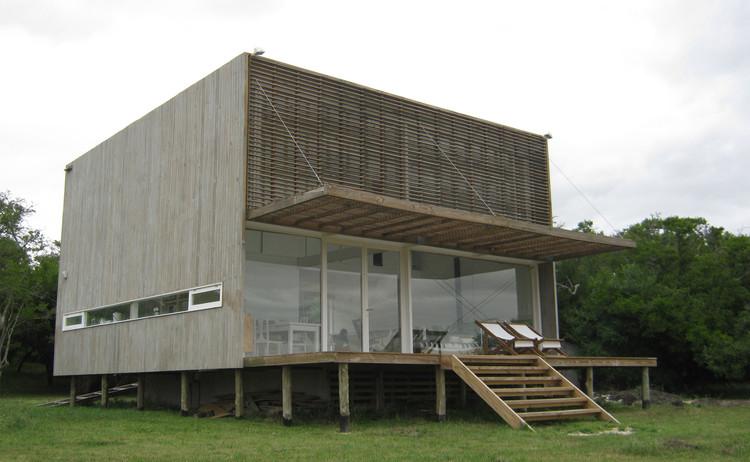 Casa Laguna El Rosario / frías+tomchinsky arquitectos, Cortesía de frías+tomchinsky arquitectos