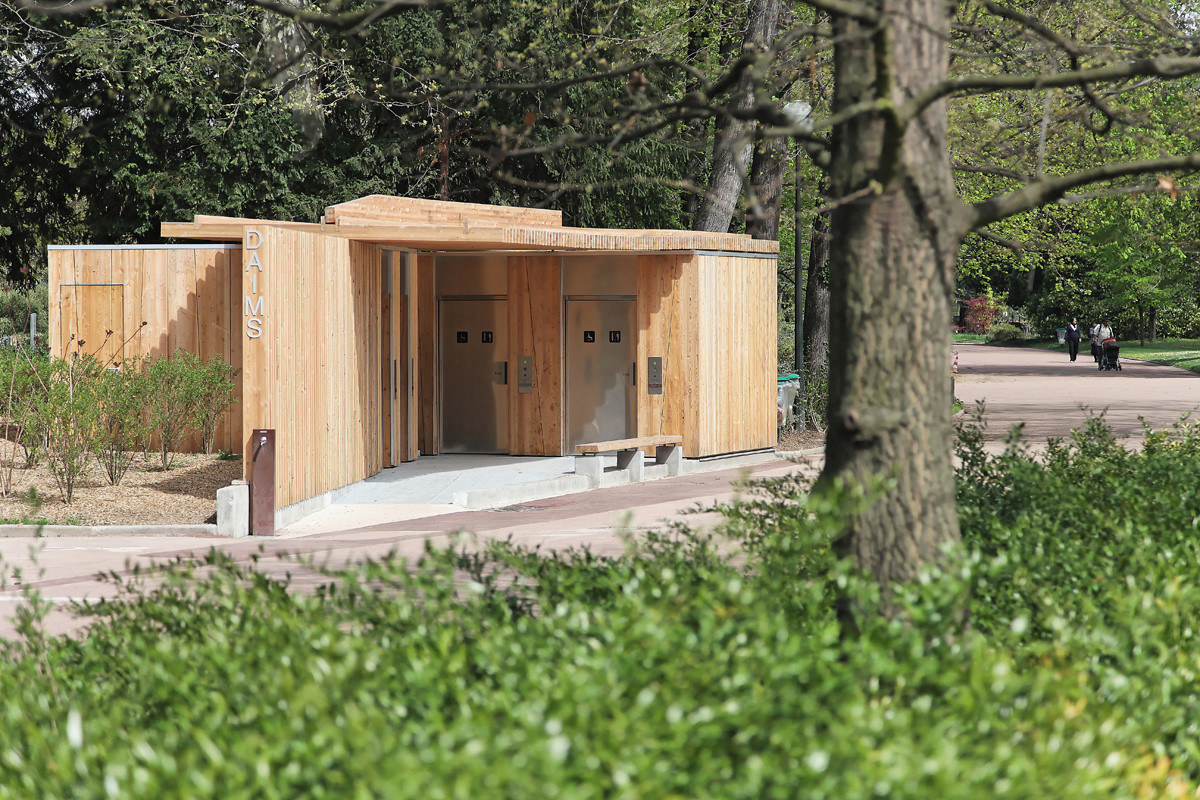 Gallery of public toilets in the t te d 39 or park jacky suchail architects 2 Public bathroom design architecture
