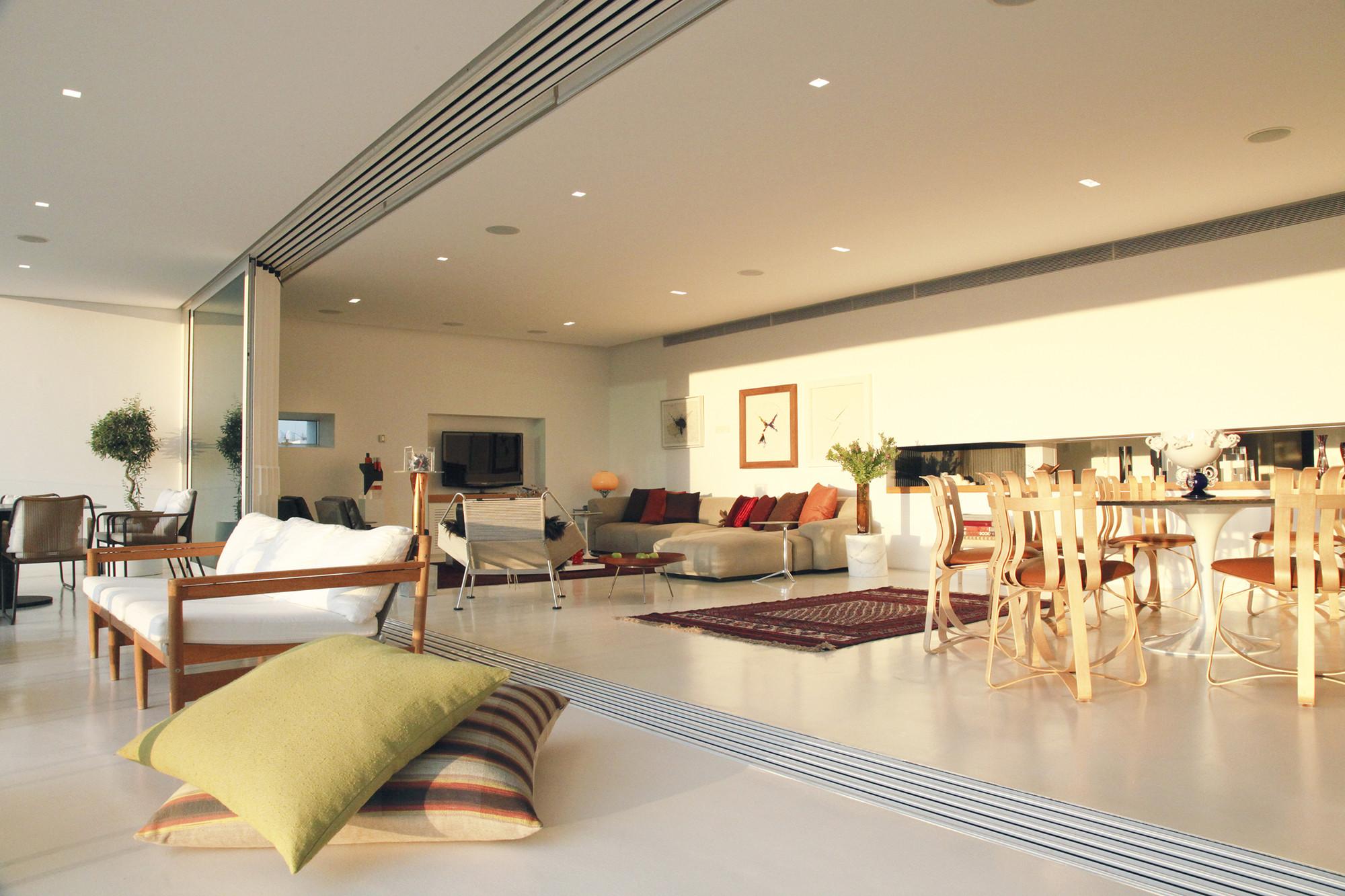 Proton / Constantinos Kalisperas Architectural Studio