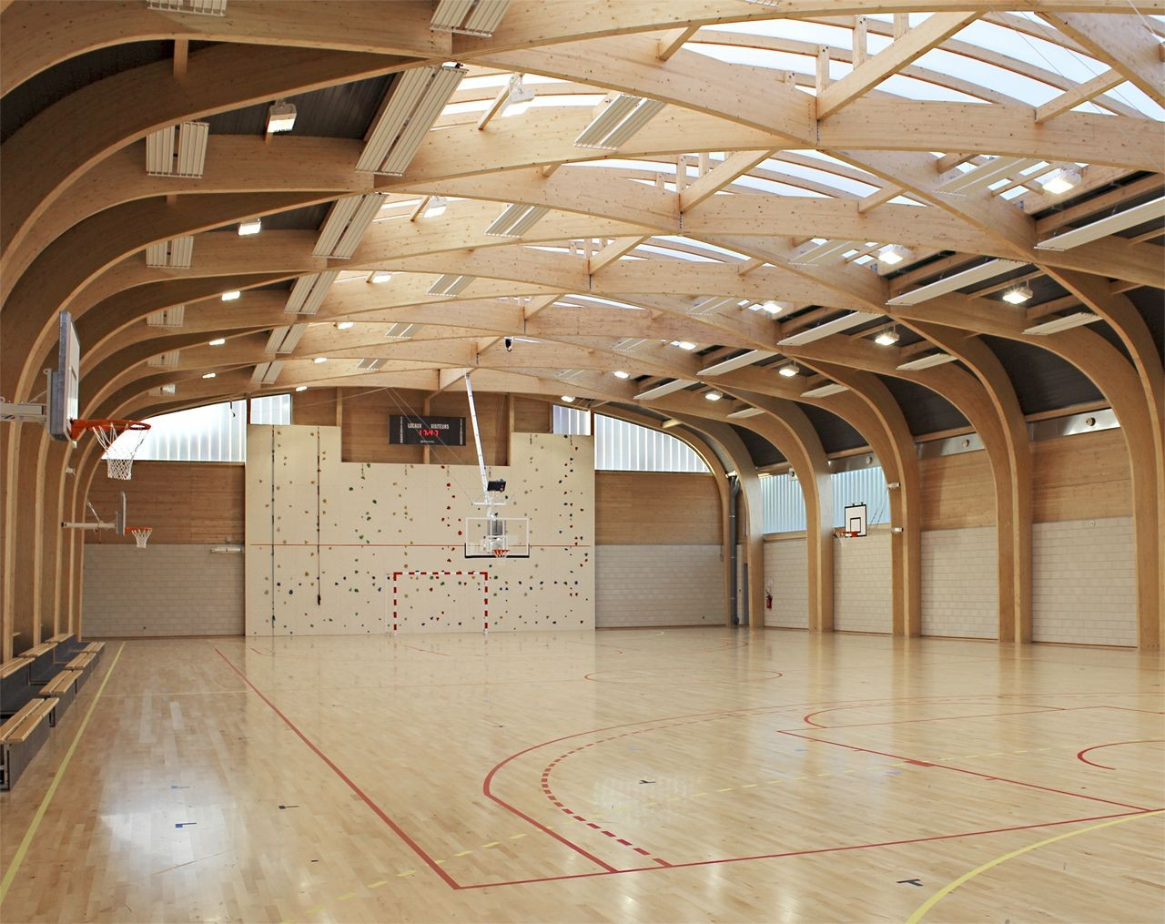 Gallery of gymnasium r gis racine atelier d 39 architecture for Atelier 5 architecture