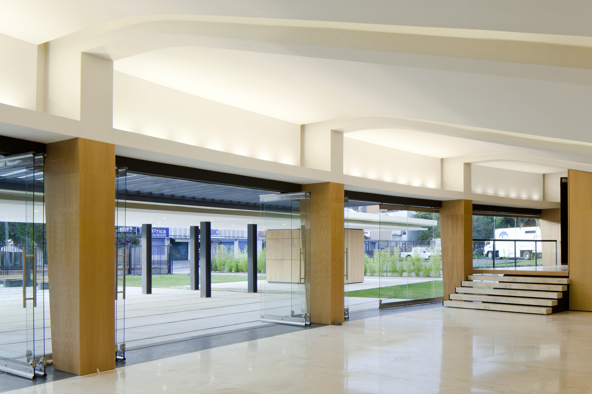 University of Cuenca Theater  / Javier Durán