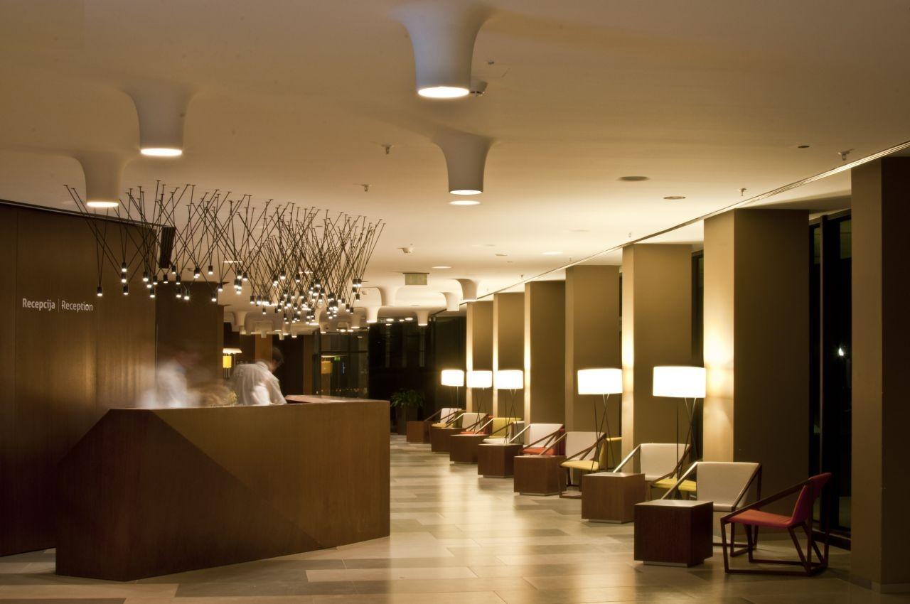 Gallery of hotel well mva 15 for Ver habitaciones de hoteles