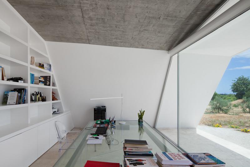 Gallery of House in Tavira / Vitor Vilhena Architects - 7