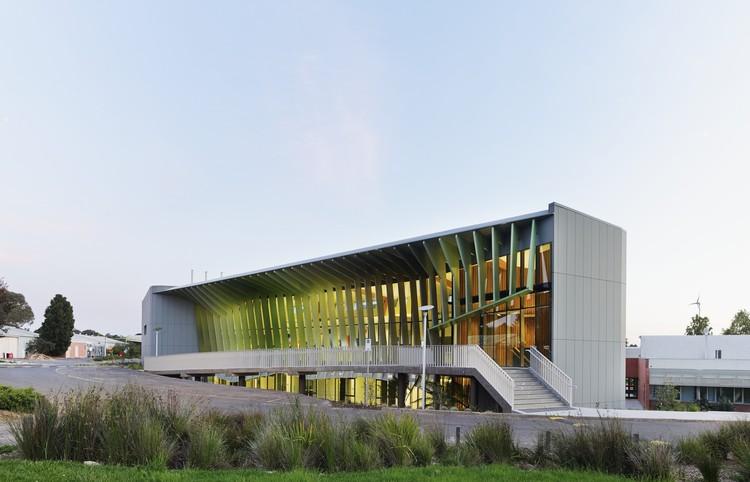 Centro de Sustentabilidad y Oportunidad de Innovación Knox / Woods Bagot, © Peter Bennetts