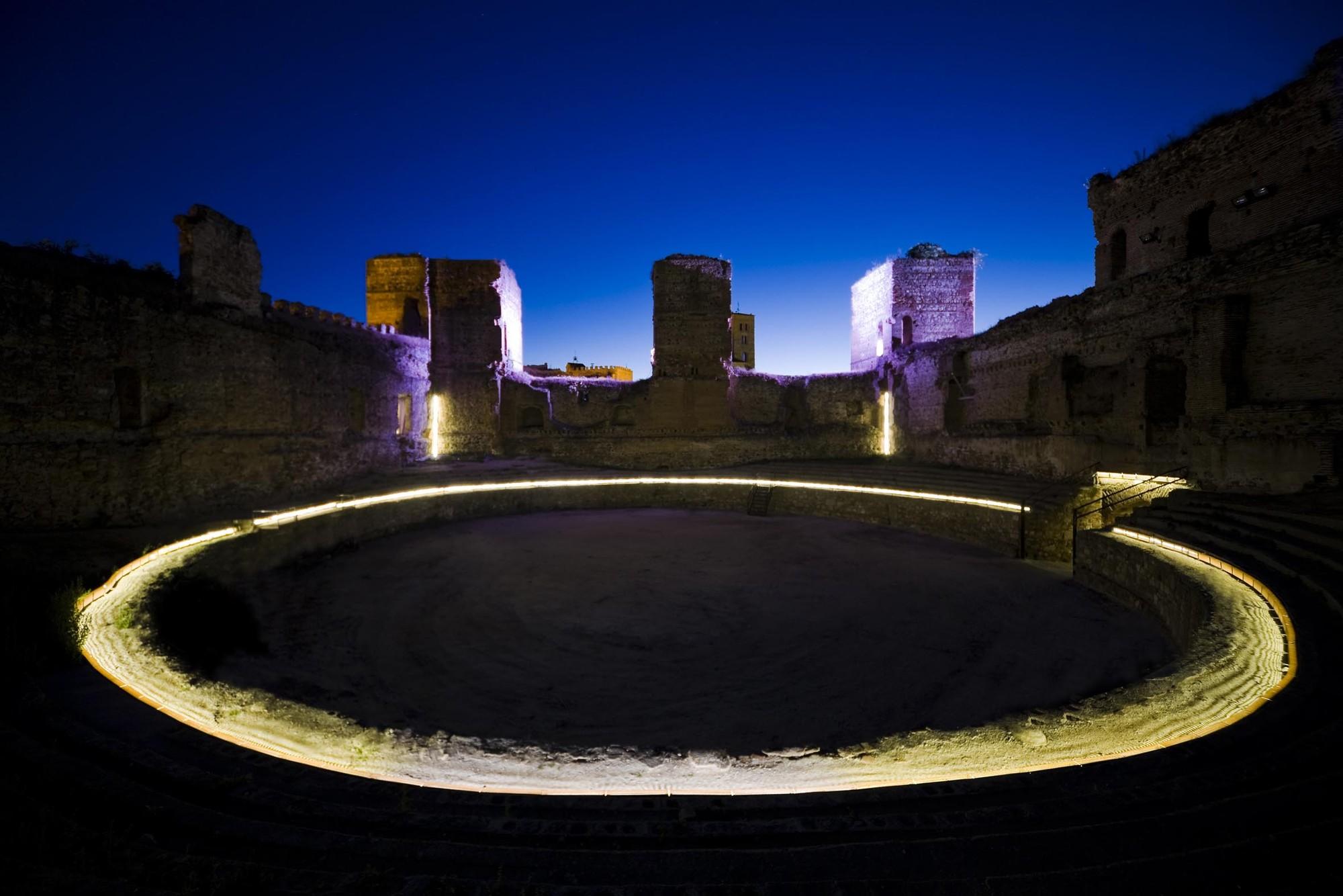 Iluminación Castillo Buitrago de Lozoya / MUKA Arquitectura, © Ricardo Santonja