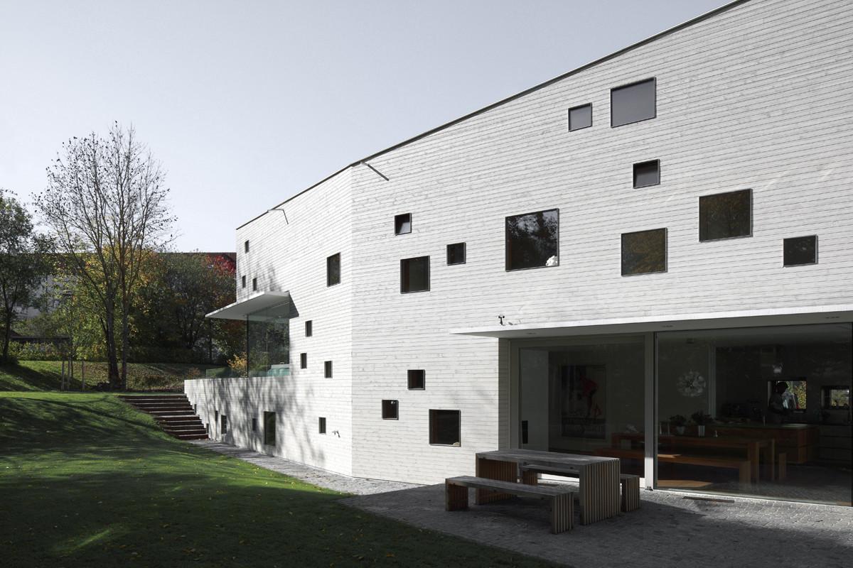 gallery of house j bemb dellinger architekten 3. Black Bedroom Furniture Sets. Home Design Ideas