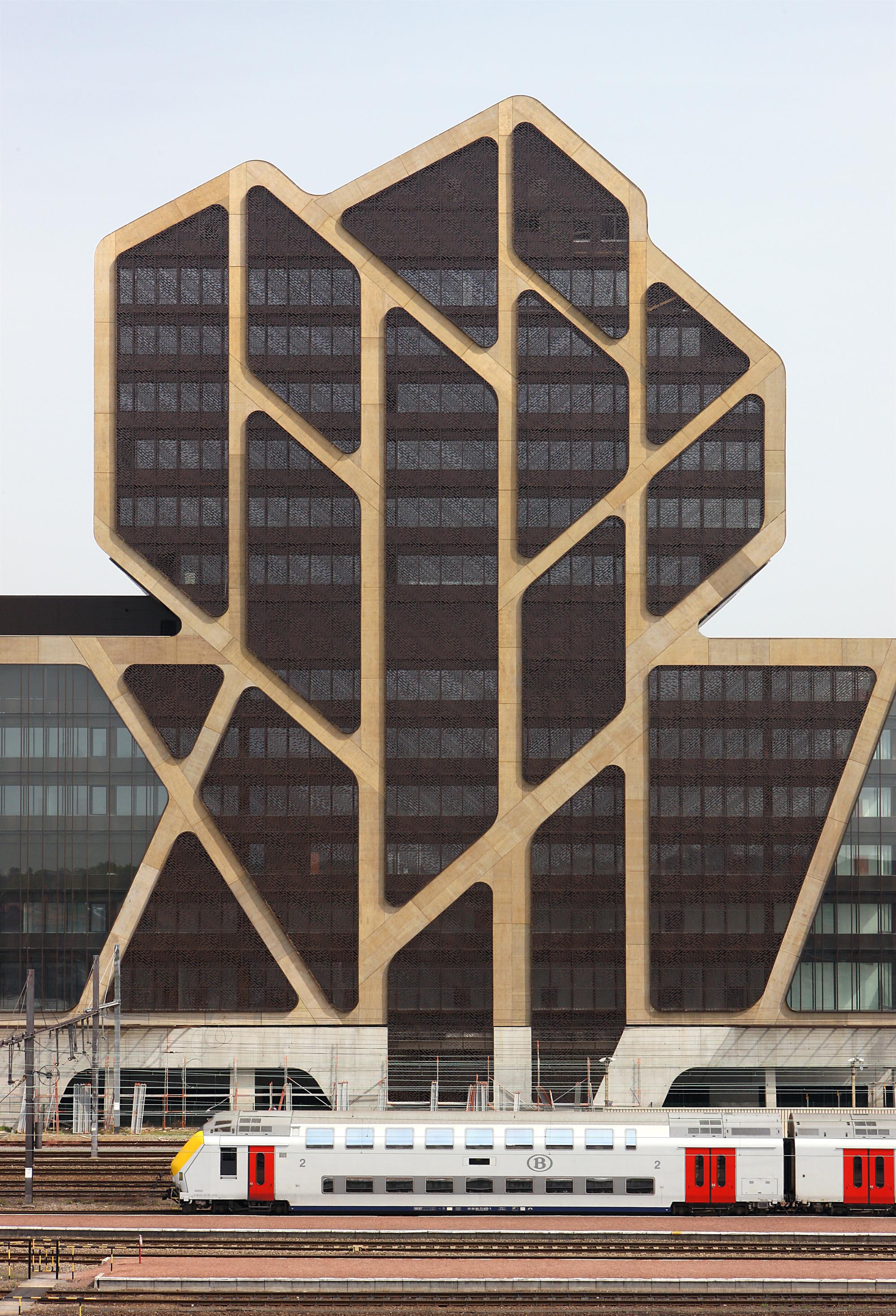 Hasselt Court of Justice / J. Mayer H. Architects + a2o architecten + Lens°Ass architecten