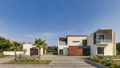 F3 Farmhouse / DADA & Partners