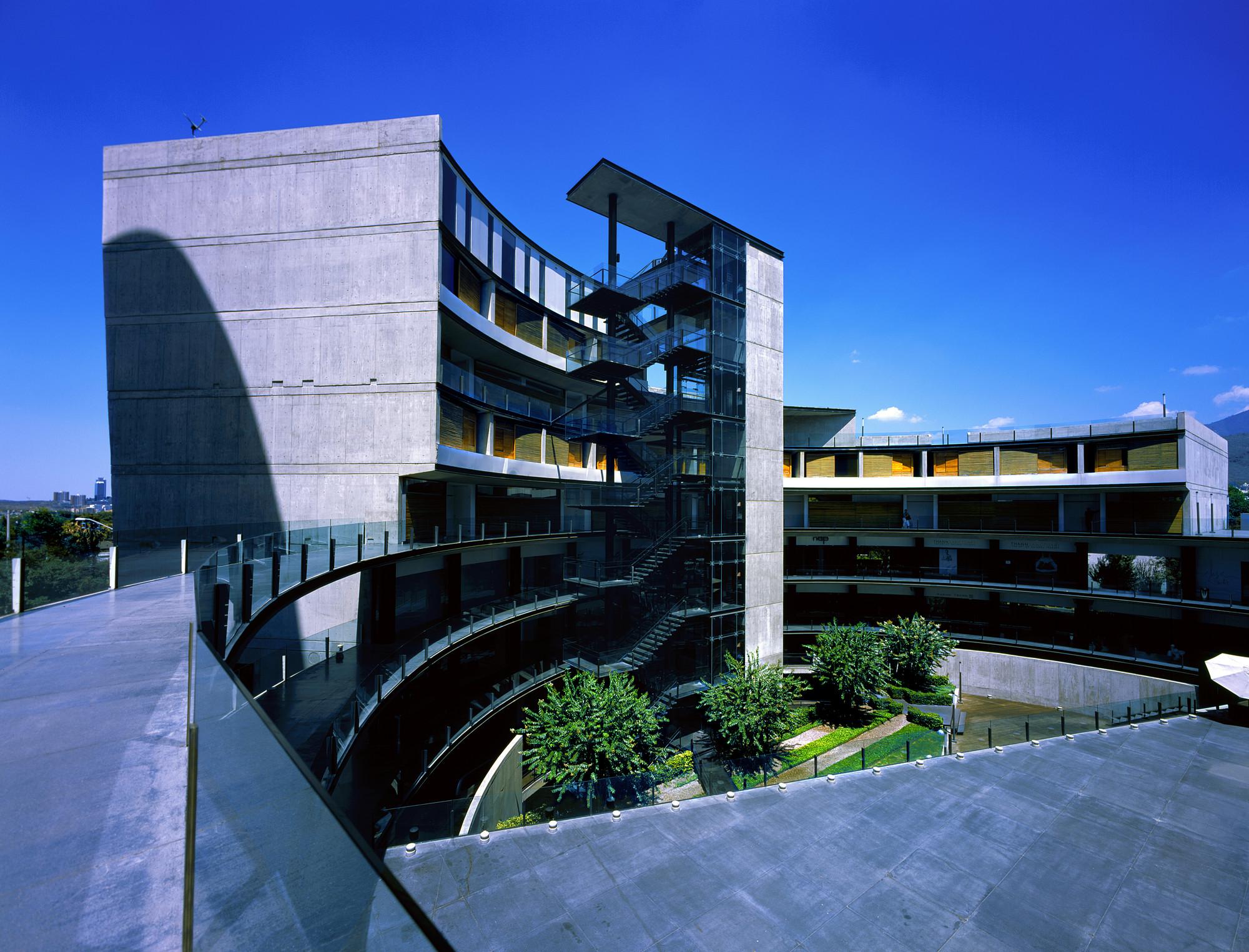 O Dos Vasconcelos – Hotel Habita Monterrey / Landa Arquitectos