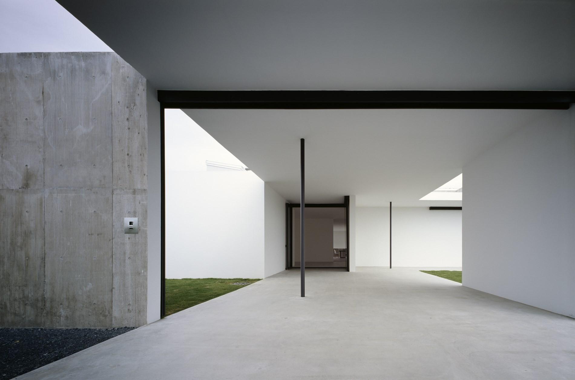 Photographer's Weekendhouse / Shin Ohori - General Design