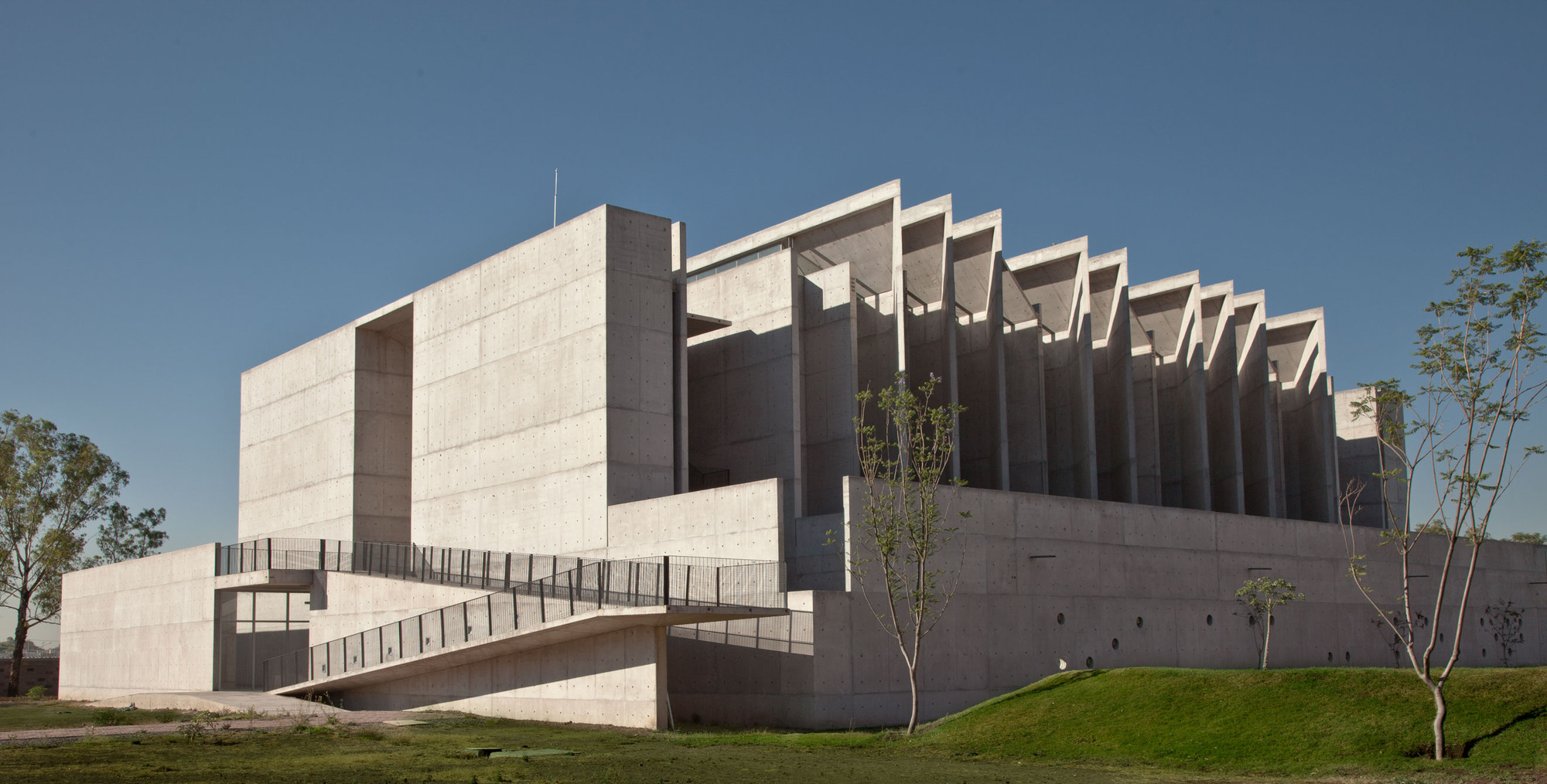 UIAC / Landa Arquitectos, © Jorge Vertiz Gargollo