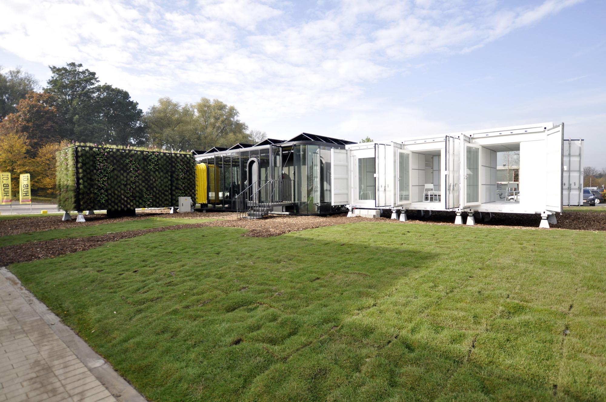 Hub 01 - Mobile Student Housing Terminal / dmvA Architecten + A3 Architects