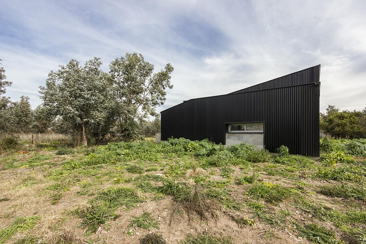 Herrera Studio-House / Cekada-Romanos Arquitectos