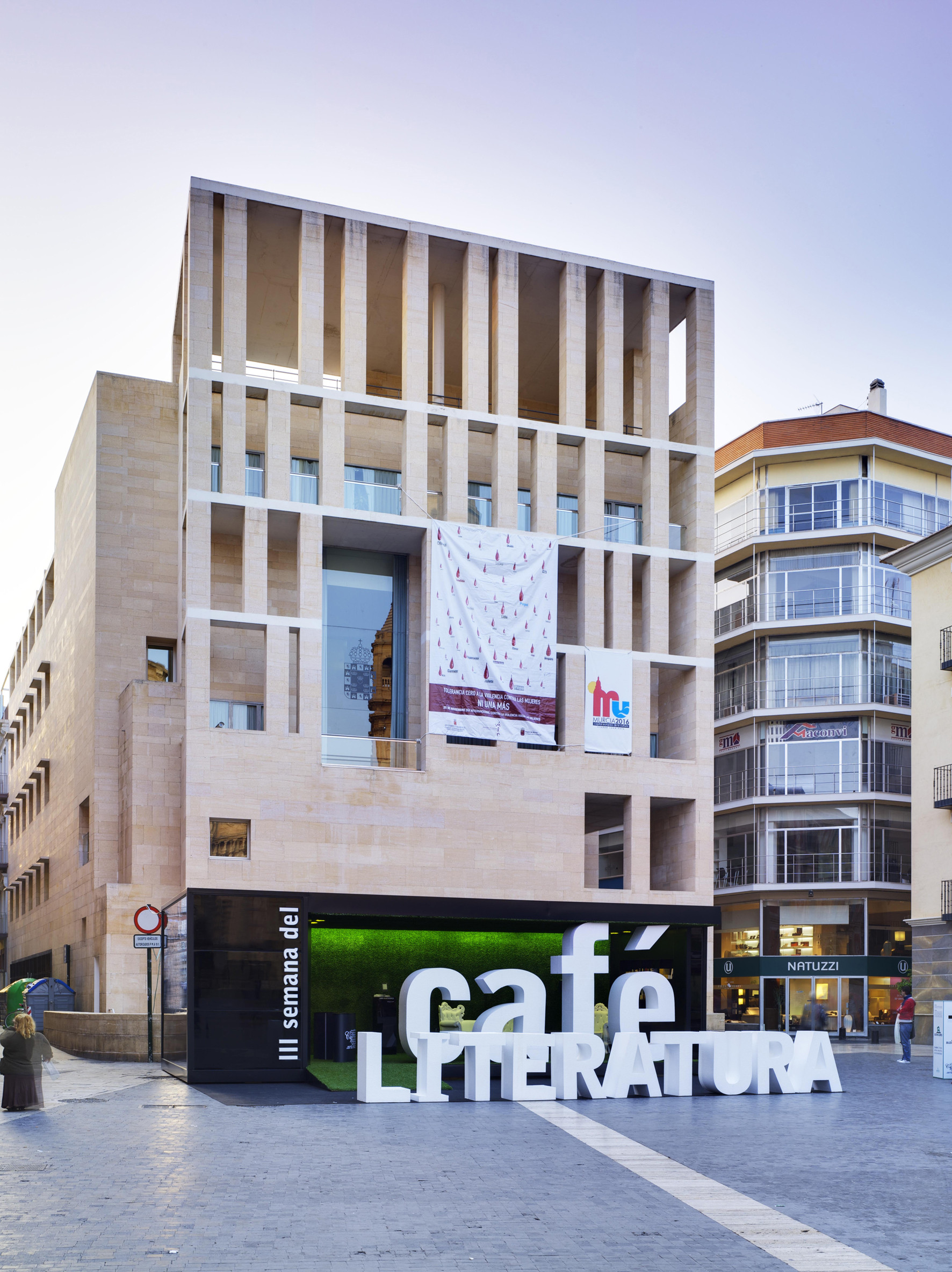 Gallery of coffee and literature stand clavel arquitectos 2 - Clavel arquitectos ...