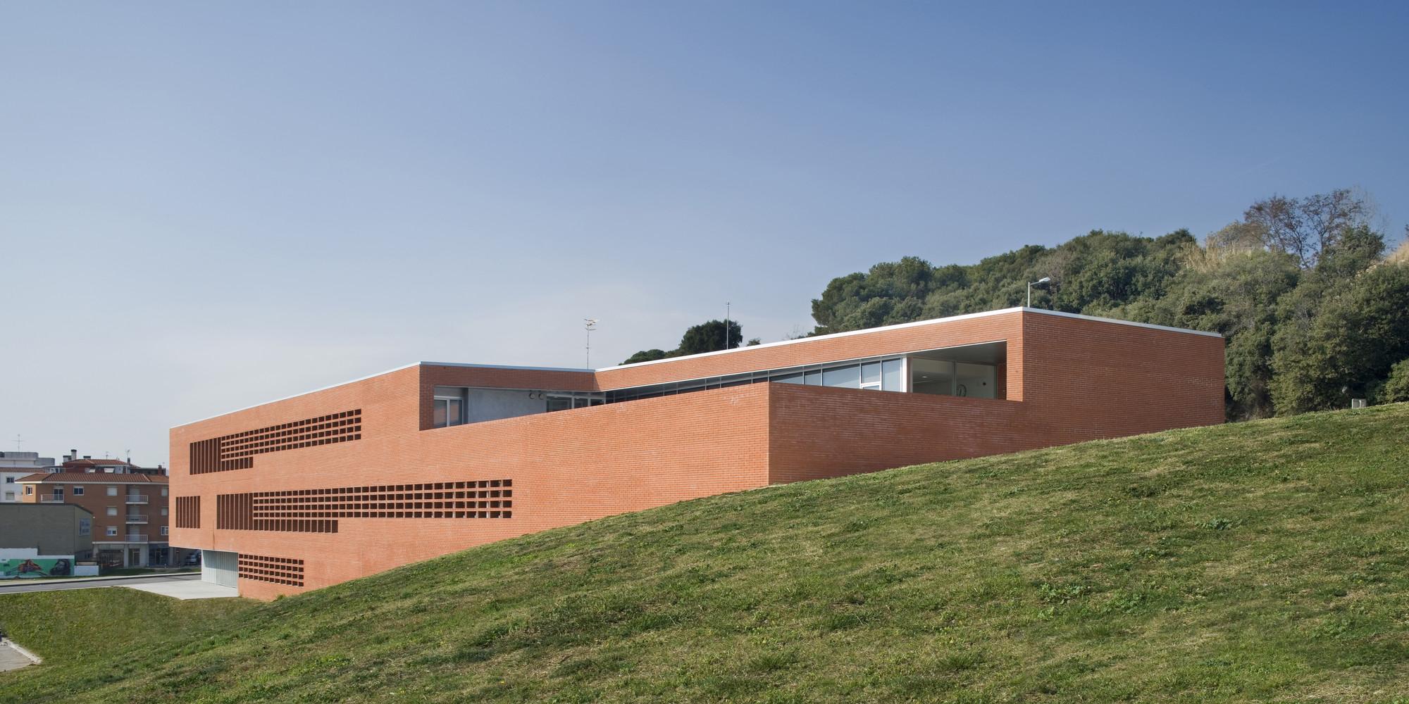 CAP Blanes / aq4 arquitectura, © Adrià Goula Sardà