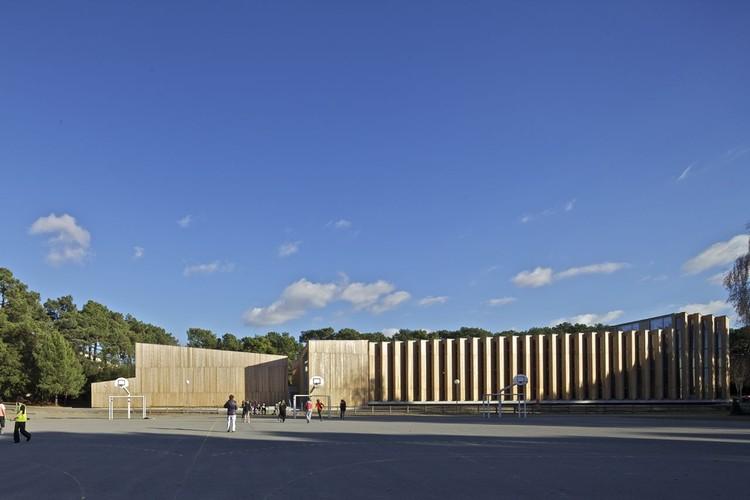 Gimnasio en La Baule / Barré Lambot Architectes, © Philippe Ruault