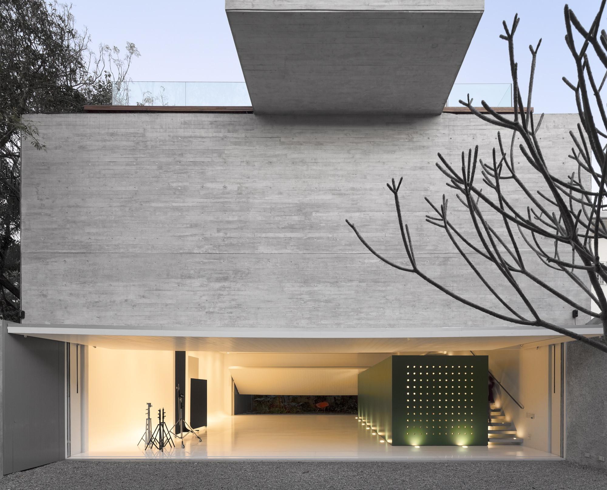 gallery of studio r marcio kogan 22. Black Bedroom Furniture Sets. Home Design Ideas