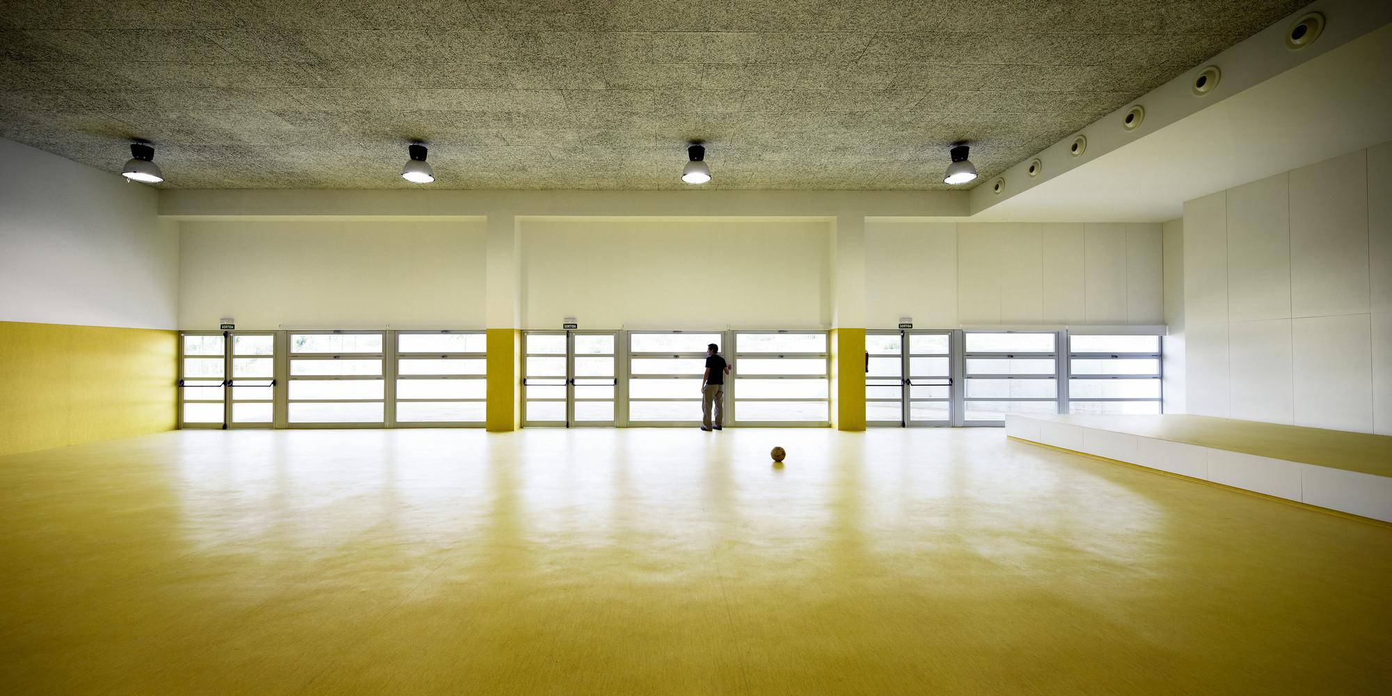 School in Tarragona / Batlle i Roig Arquitectes