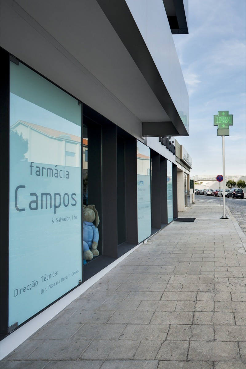 Campos Pharmacy / e|348 Arquitectura