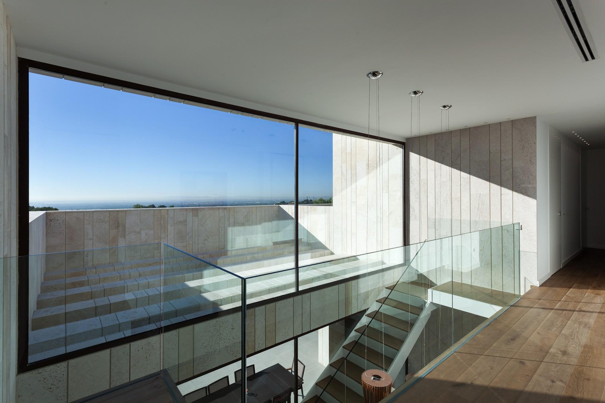 Gallery of monasterios house antonio altarriba comes 5 for Minimalist house design 36 72