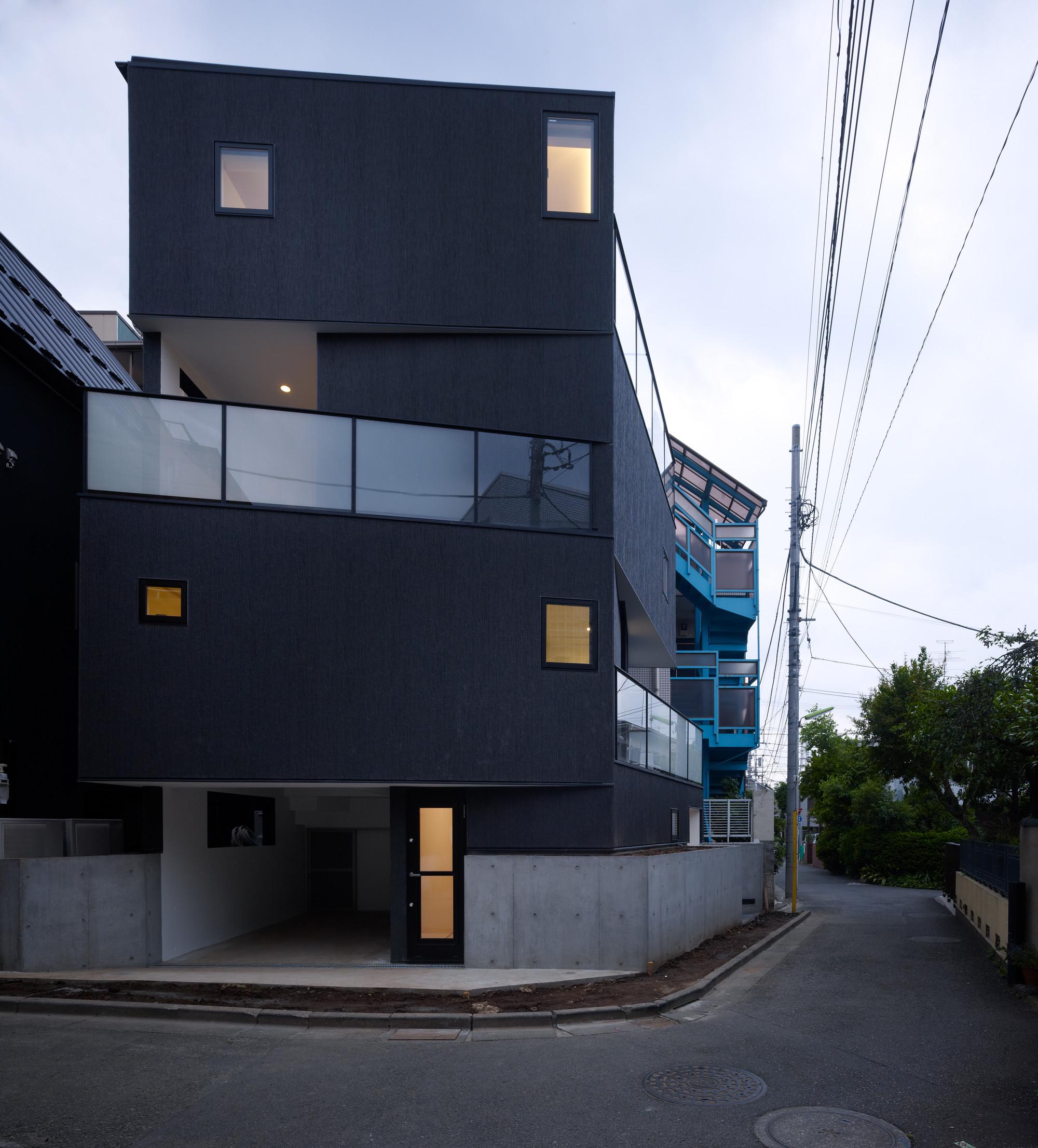 Tokyo Balconies / KINO Architects