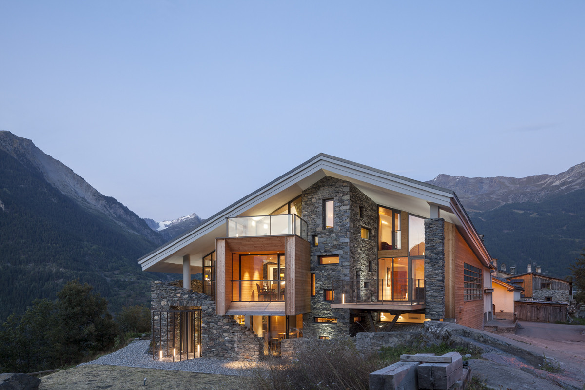 Mineral Lodge / Atelier d'Architecture Christian Girard