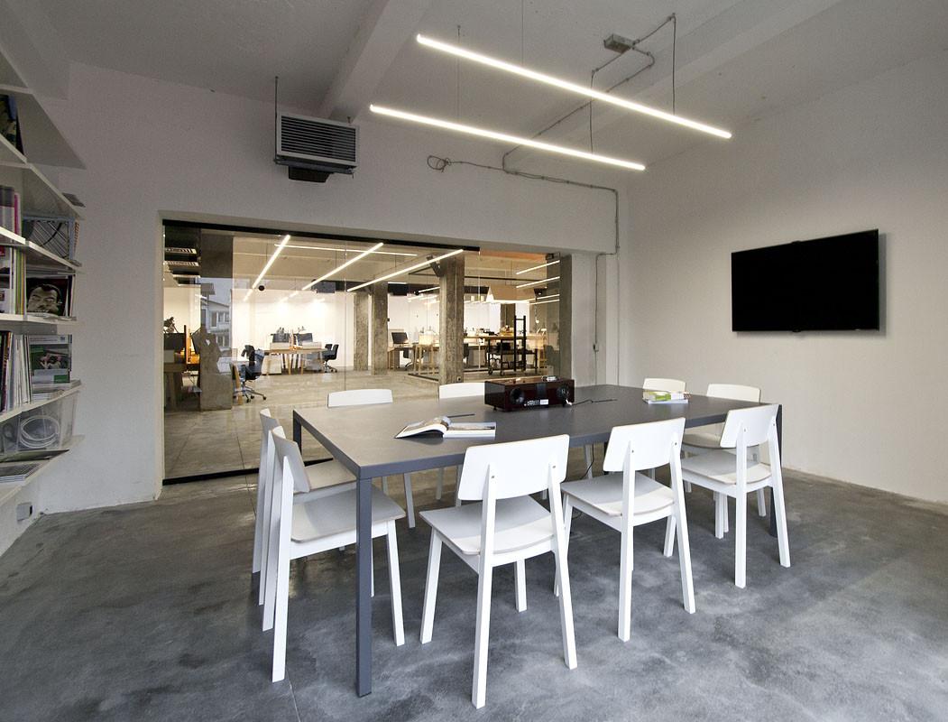 NOVA ISKRA Design Incubator in Belgrade / Studio Petokraka
