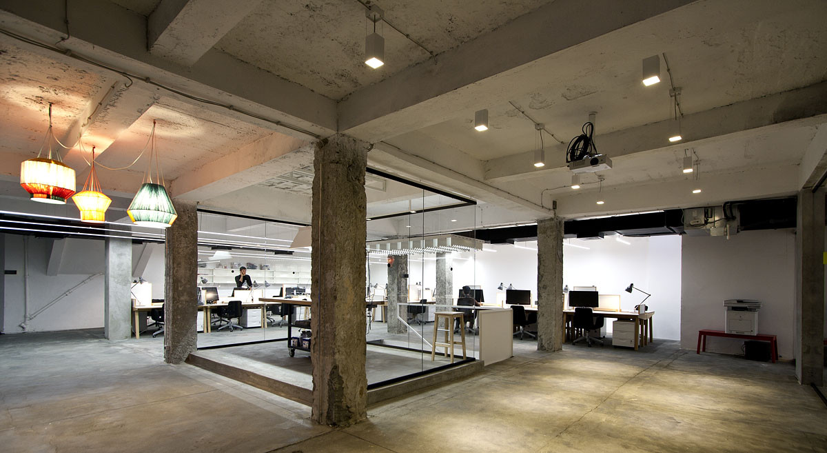 Gallery of nova iskra design incubator in belgrade for Office working area design