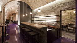 Bar 4P's / 07BEACH Architectural Design Studio
