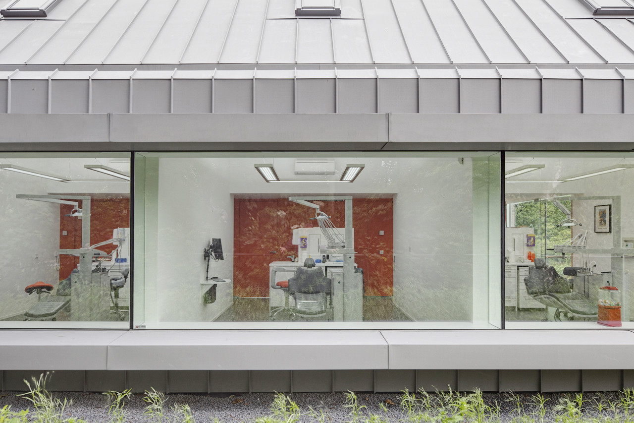 Dentist with a View / Shift architecture urbanism