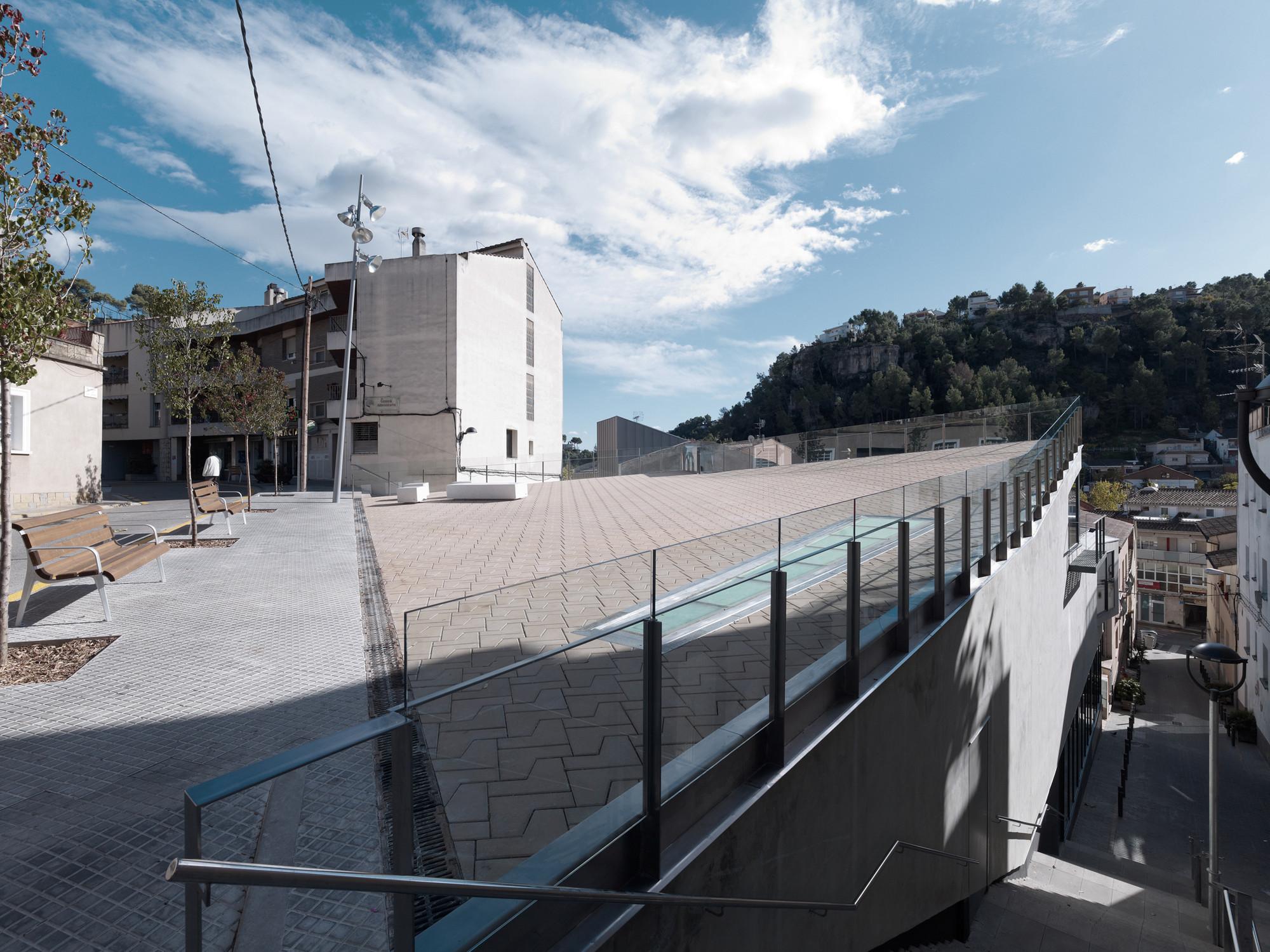 Can Baró Library / Sierra Rozas Arquitectes
