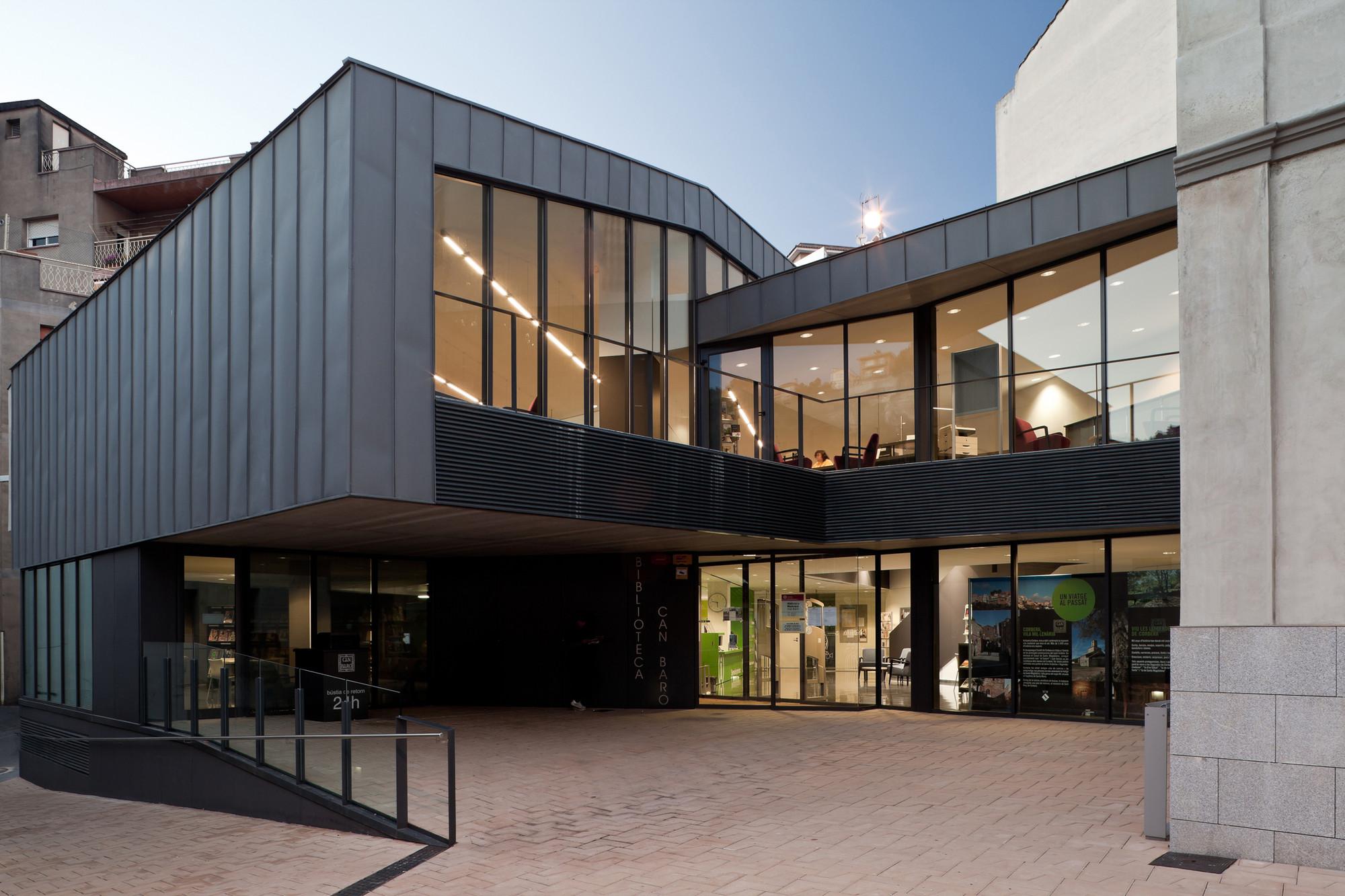 Biblioteca Can Baró / Sierra Rozas Arquitectes, © Jordi Bernadó