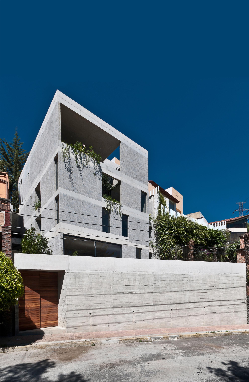 Búhos House / Ambrosi I Etchegaray