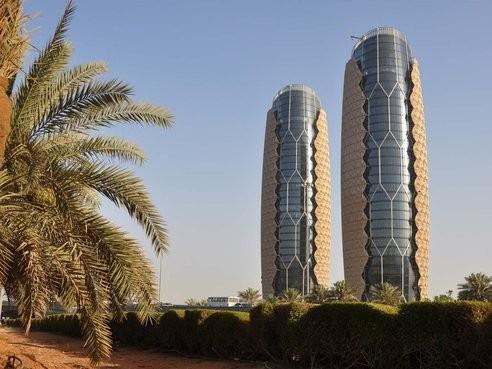 Las Torres Al Bahar y su fachada sensible, por Aedas Architects, Cortesia de Aedas