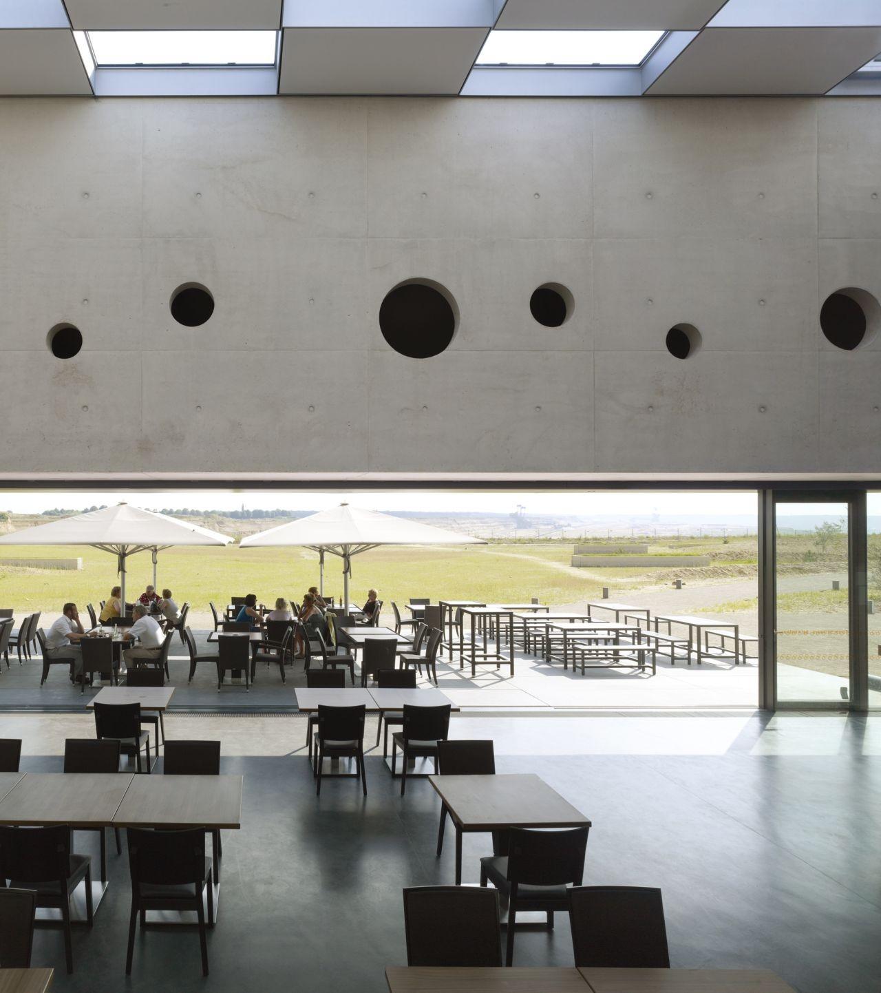 Forum_Terra Nova / Lüderwaldt Architects