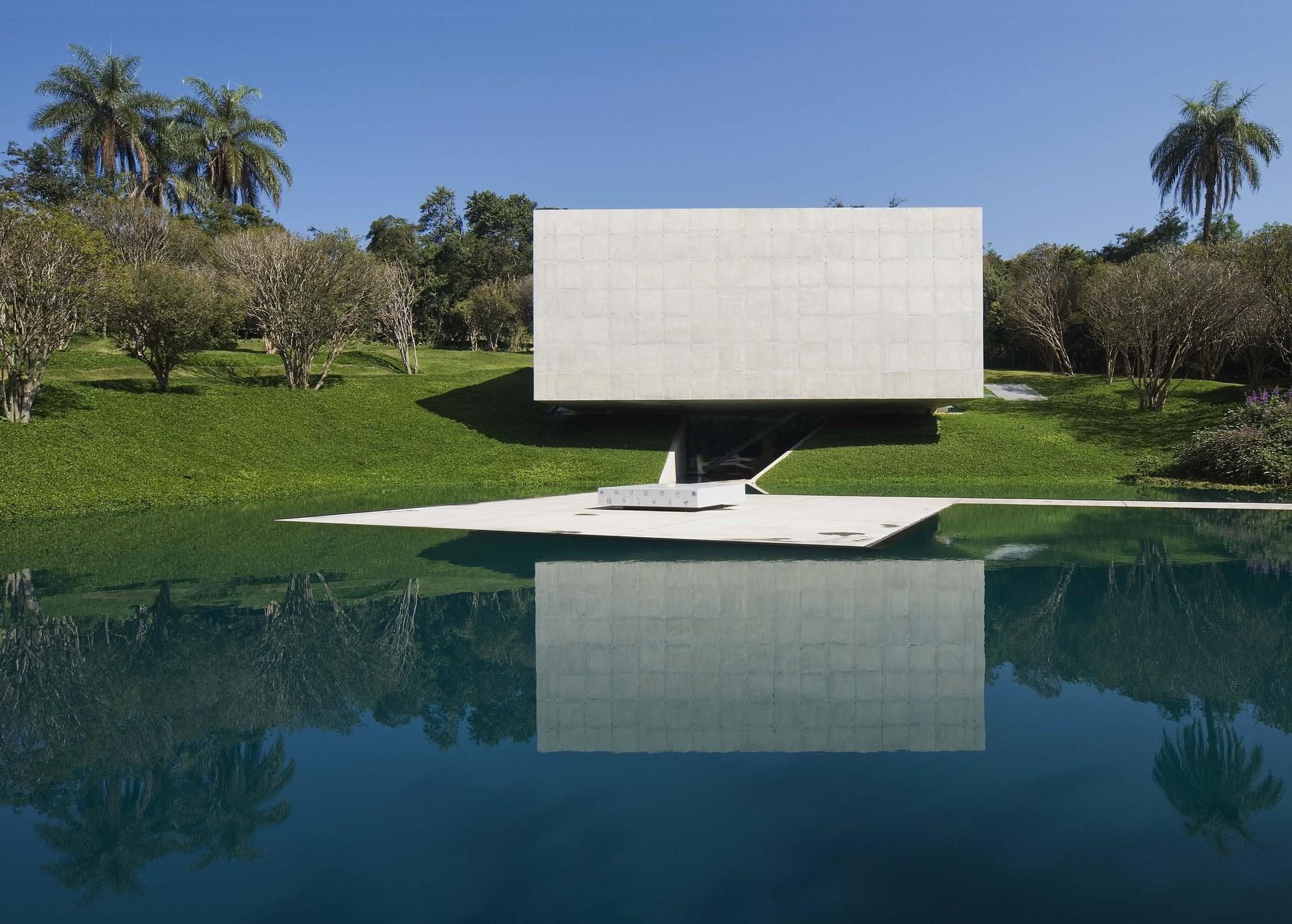 Galeria Adriana Varejao / Tacoa Arquitetos, © Eduardo Eckenfels