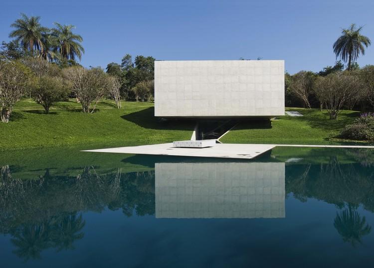Galería Adriana Varejao / Tacoa Arquitetos, © Eduardo Eckenfels