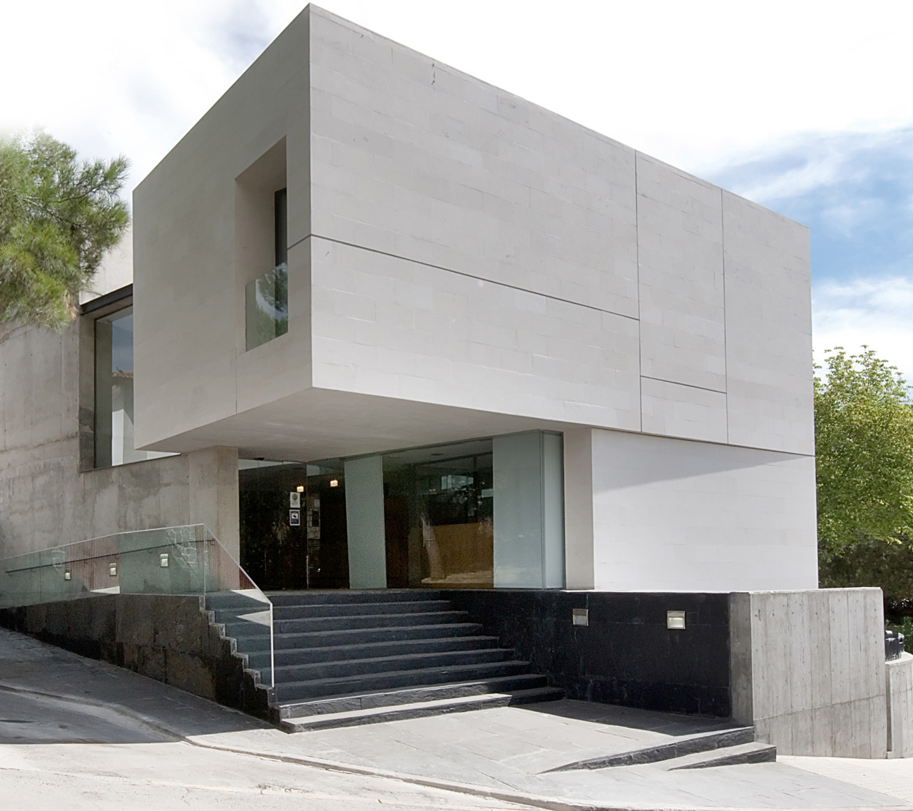 Civil Defense Center In Cobeña / GEA Arquitectos, © Ignacio Marqués
