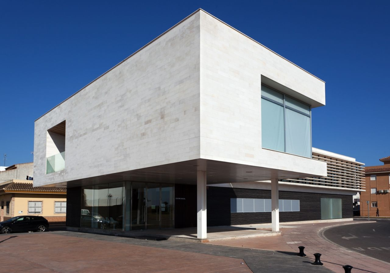 Centro Social / Víctor García Martínez Arquitecto, © Diego Opazo