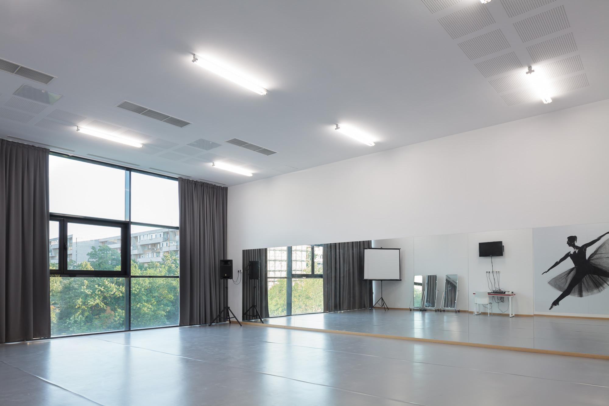 Escuela de Música y Artes / LTFB Studio