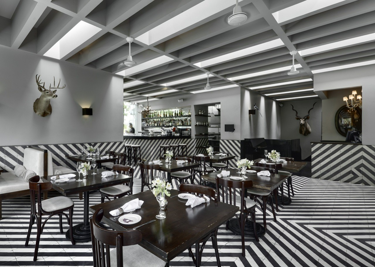 Celeste Champagne & Tea Room / PRODUCTORA