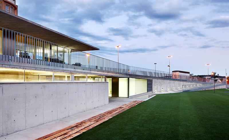 Vallpala sports centre vicente salvador arquitecto - Arquitectos castellon ...