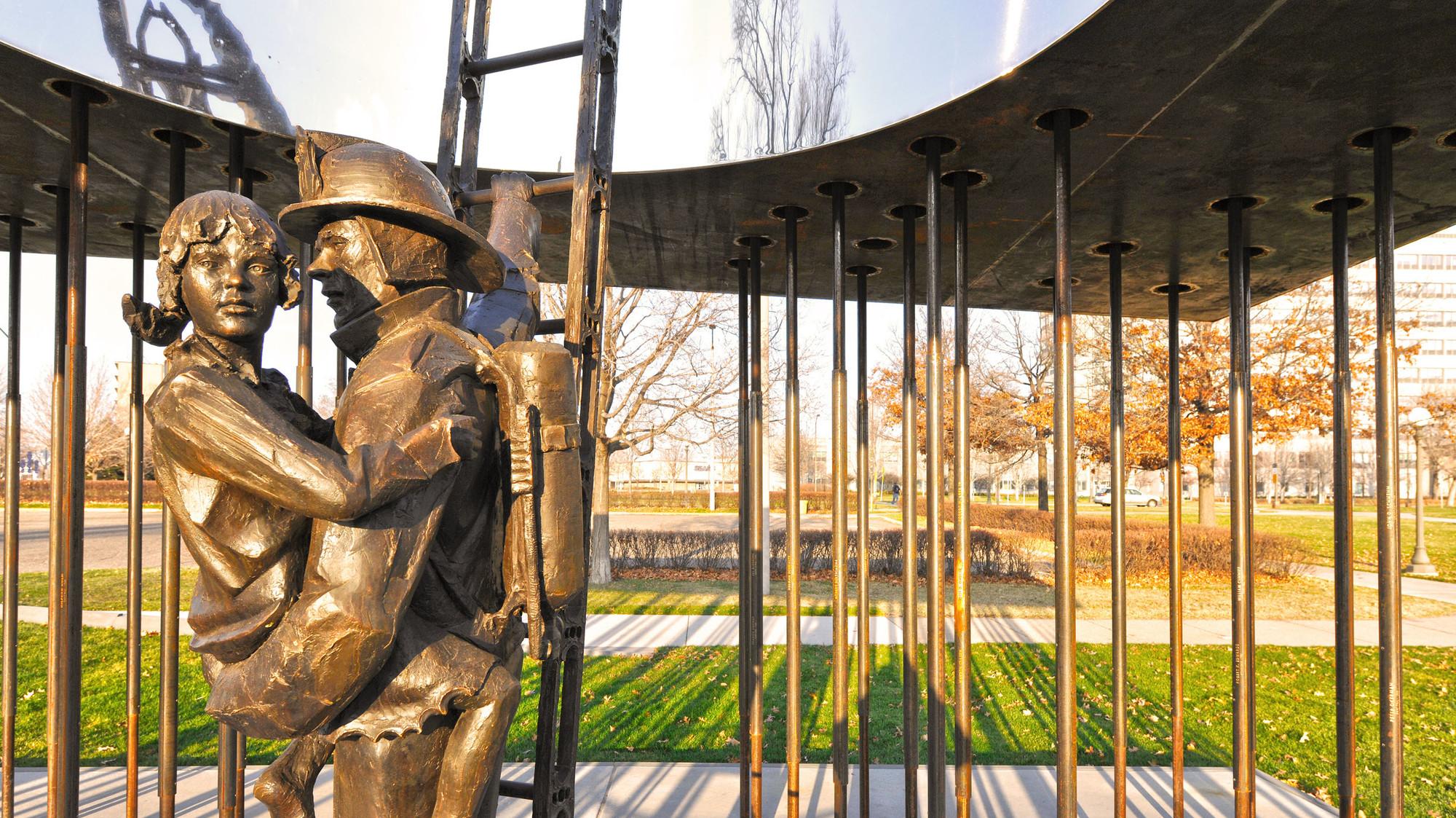 Minnesota Fallen Firefighters Memorial / Leo A Daly