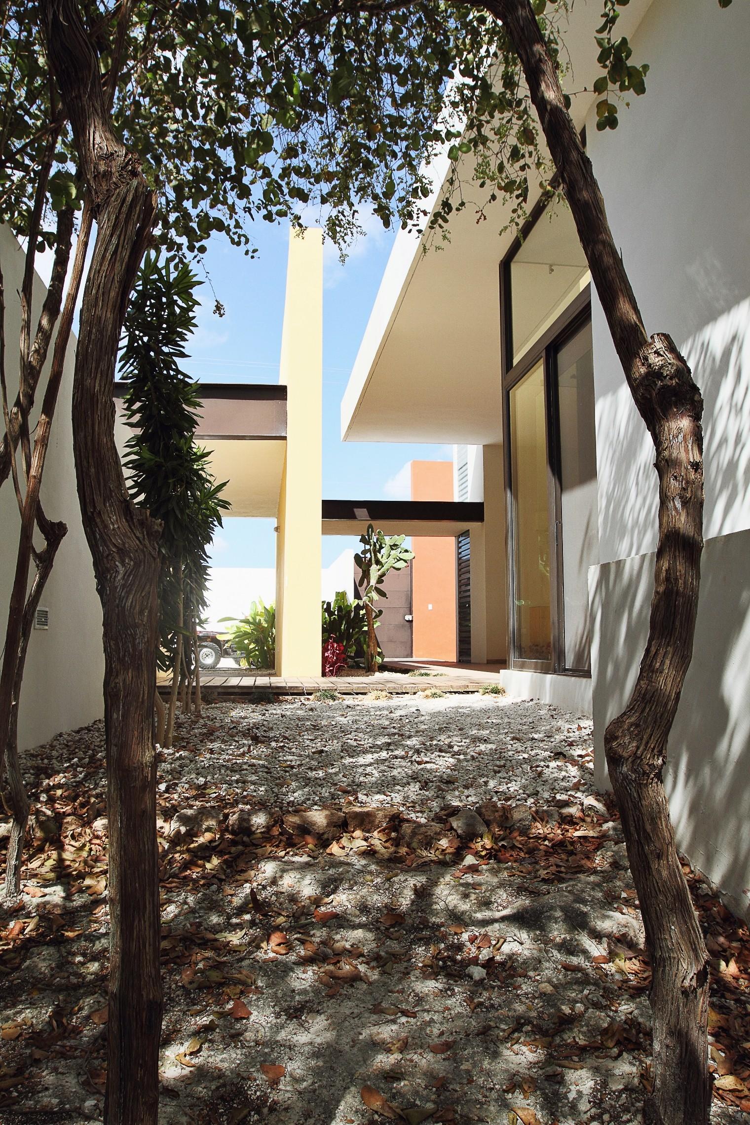 Casa ES1 / Seijo Peon Arquitectos
