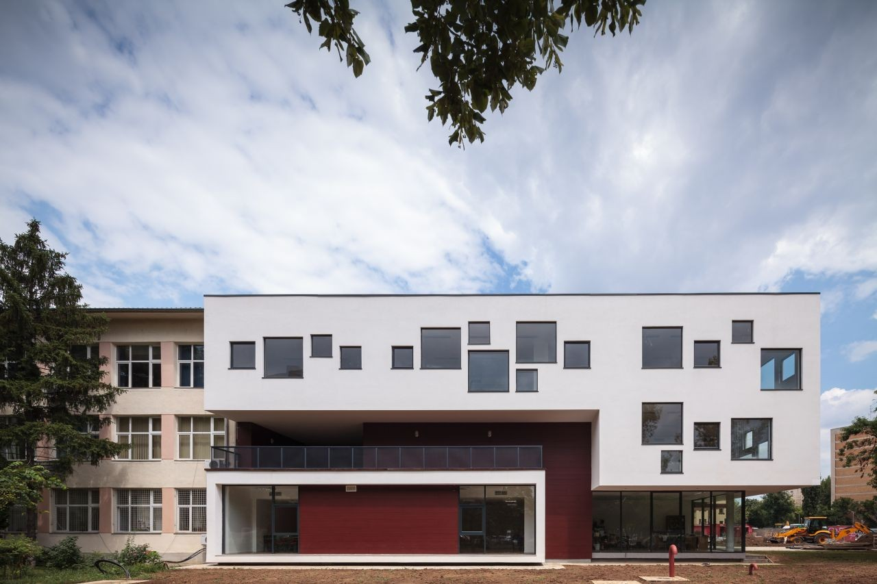 Dante Alighieri School Expansion / LTFB Studio