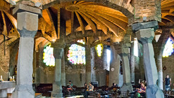 Clássicos da Arquitetura: Colônia Güell / Antoni Gaudí